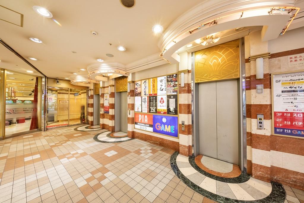 十三ビル_エレベーターホール