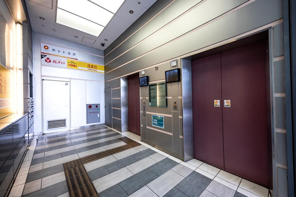春日部TRビル_エレベーターホール